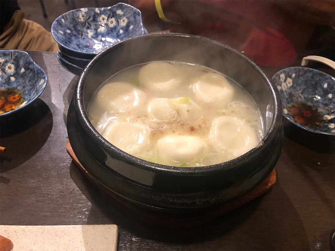 肉汁水餃子 餃包 六本木交差点
