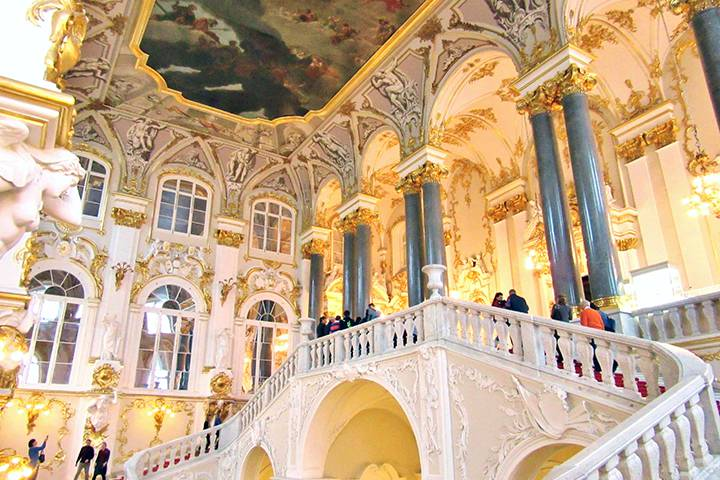 エルミタージュ美術館と冬宮殿